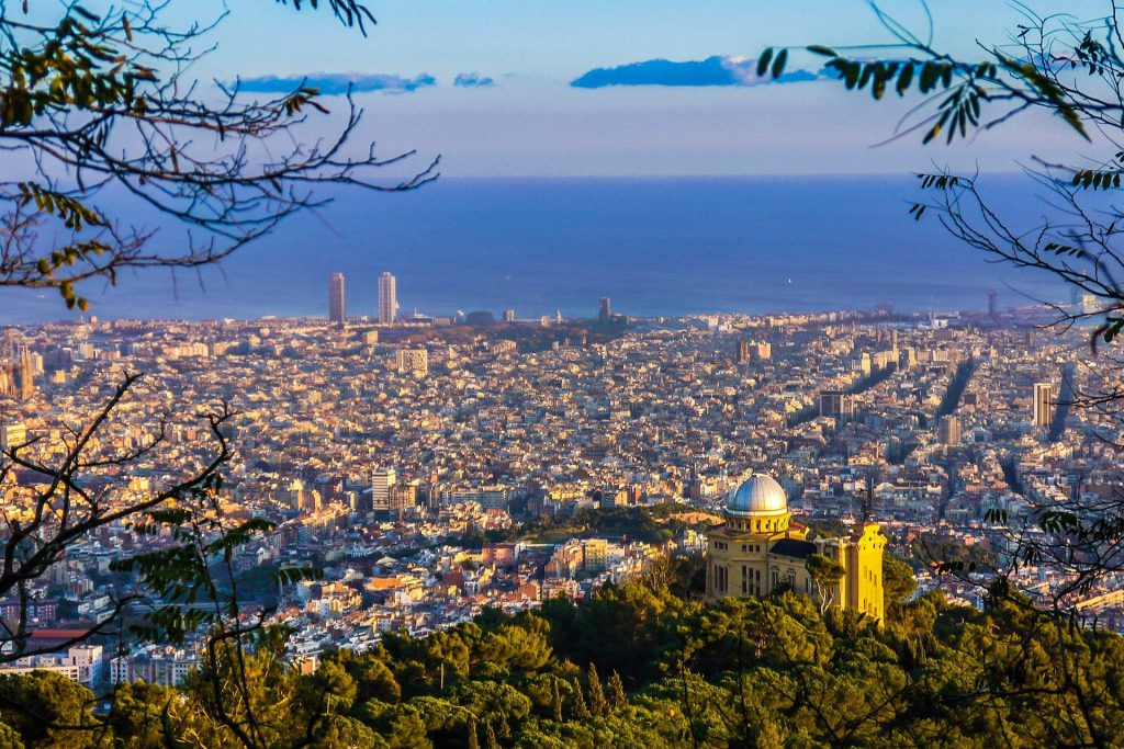 City trips in autumn - Barcelona from above.
