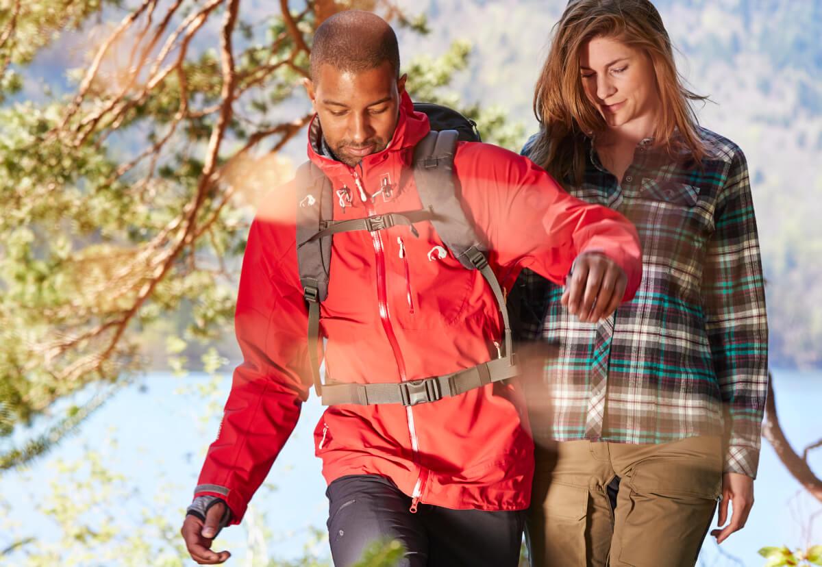 Outdoorbekleidung muss richtig gepflegt werden, um deren Funktionalität zu erhalten.