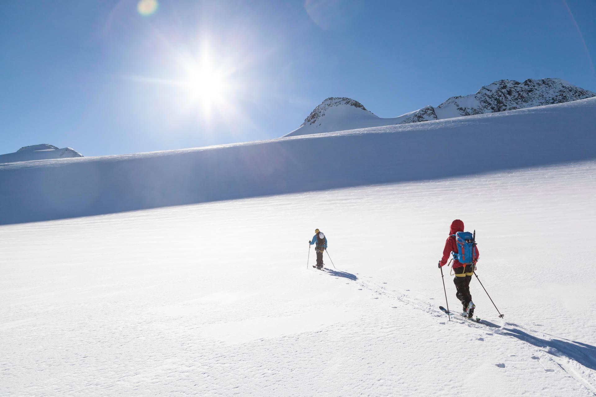 Ski Tour Bärenhorn - Two ski tourers on their way up.