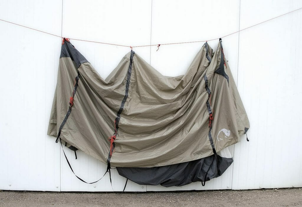 Basic knowledge tent maintenance - Hanging the tent up to dry.