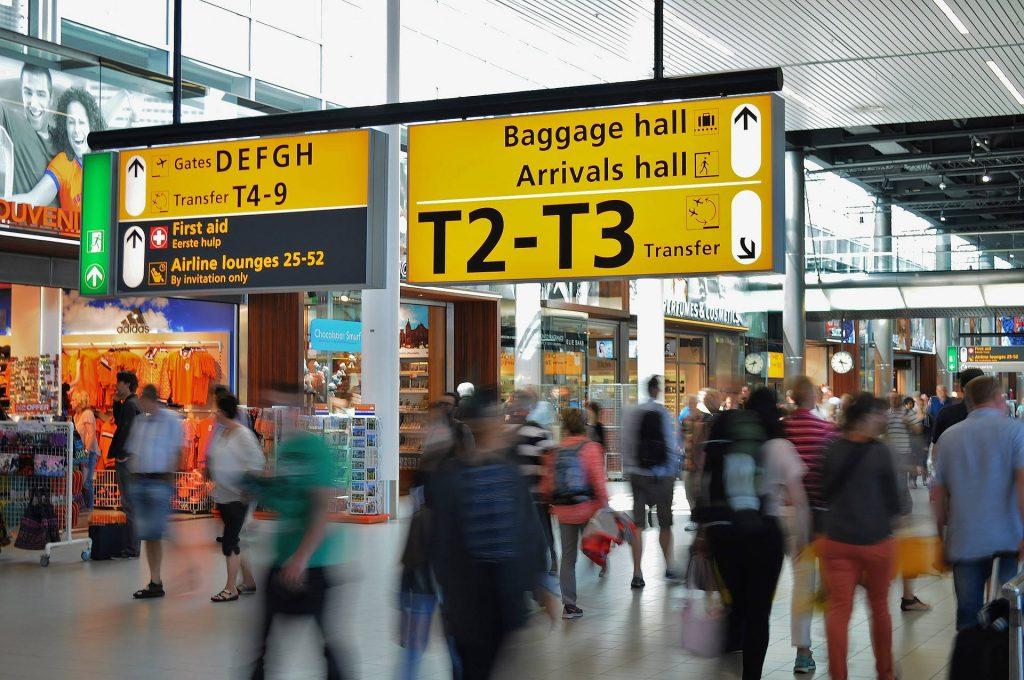 Was darf ins Fluggepäck? Manche Waren müssen am Flughafen verzollt werden.