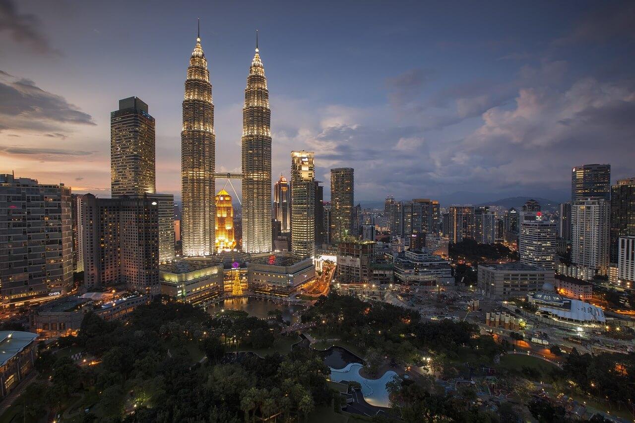 Kuala Lumpur - Ein Reisebericht. Petronas Twin Towers in Malaysia. Foto: Pexels, pixabay.