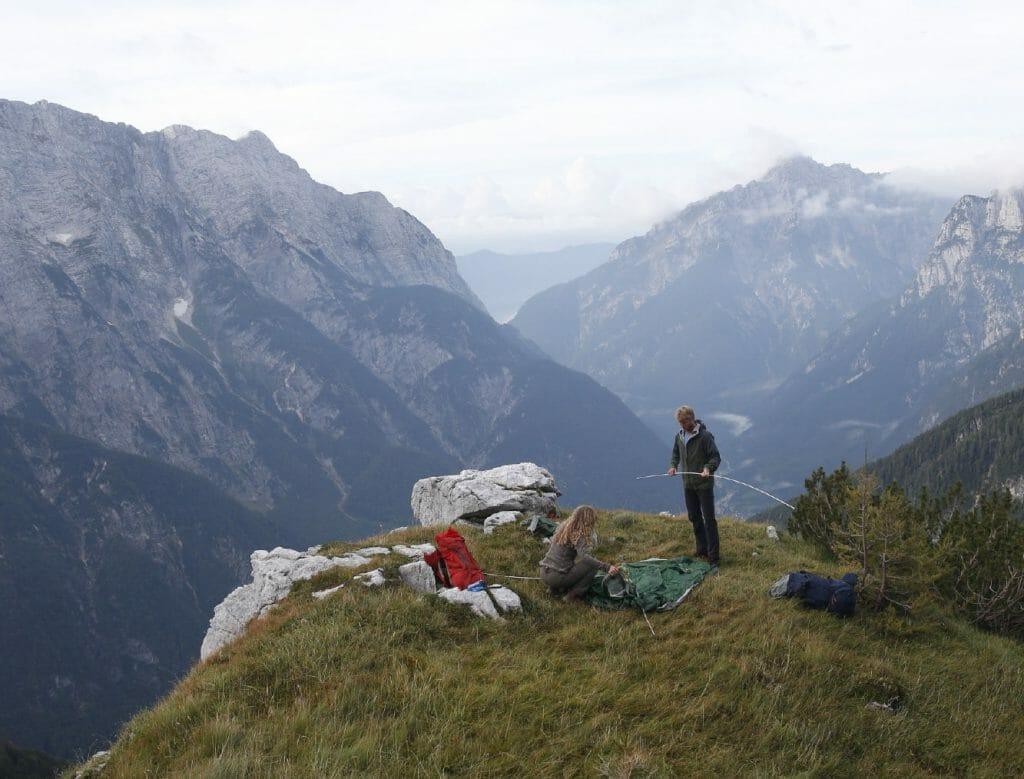 Basiswissen Zeltreparatur: Zelt im Notfall reparieren.