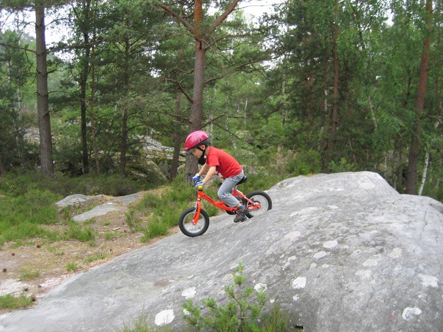 Biken in Fontainebleau ist auch für Kinder bestens geeignet.