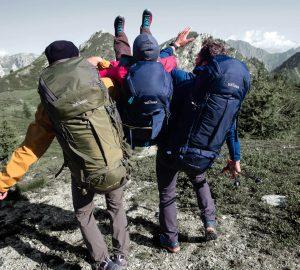 Beim Wandern oder Trekking kommt es auf jedes Gramm im Rucksack an.