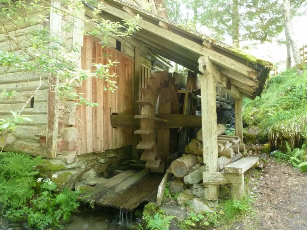 Old Mill with water wheel in the Rohrmooser Untertal.