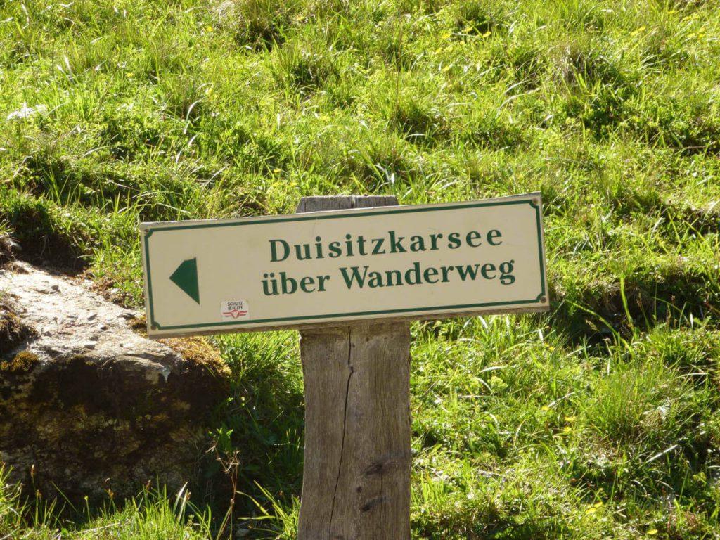 Road sign Duisitzkarsee