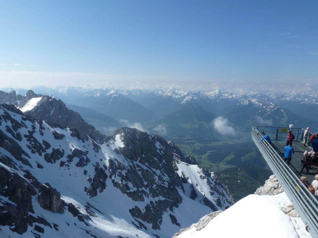 Der Skywalk auf dem Dachstein-Gletscher.