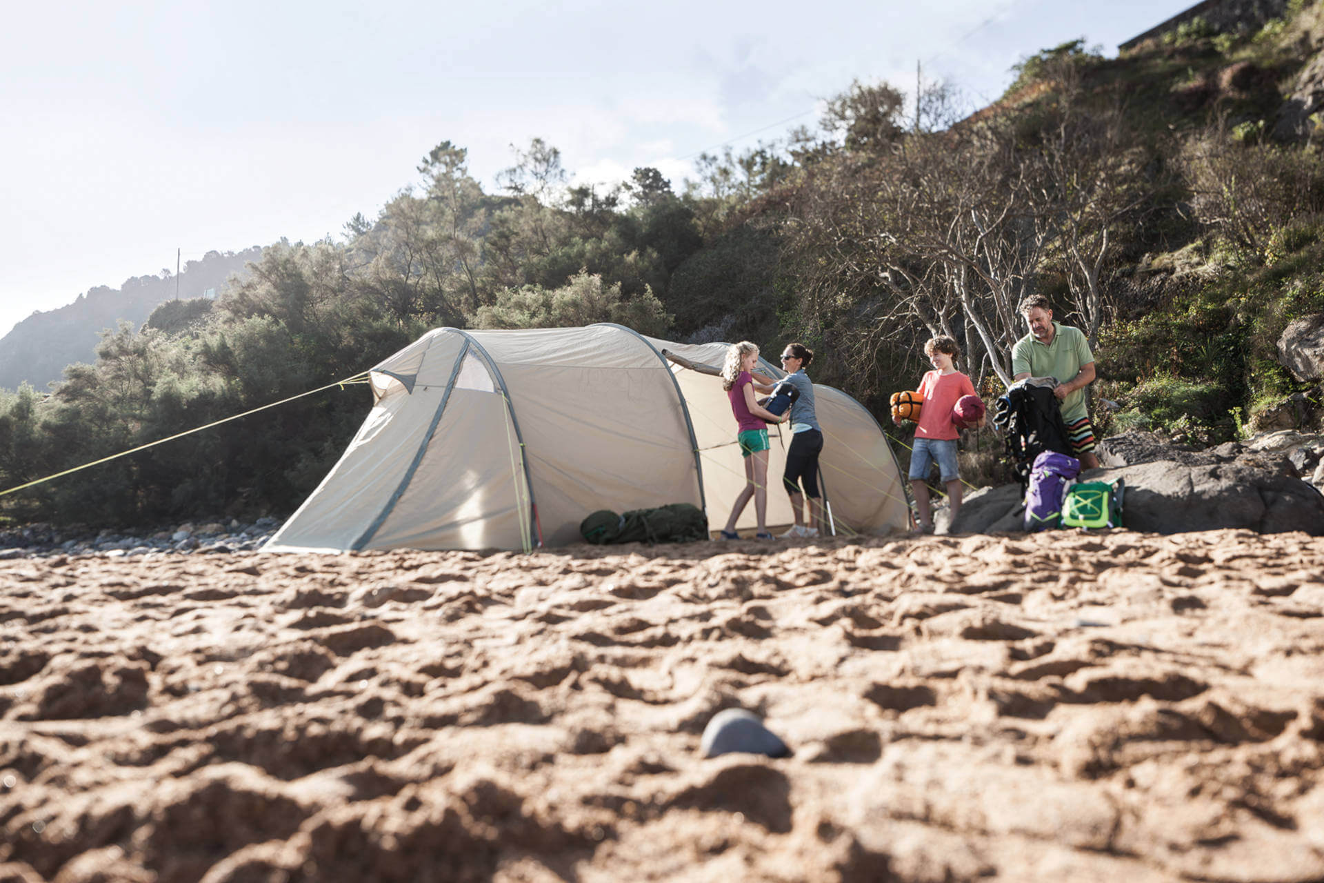 Campsites in Germany - Family camping on the beach.