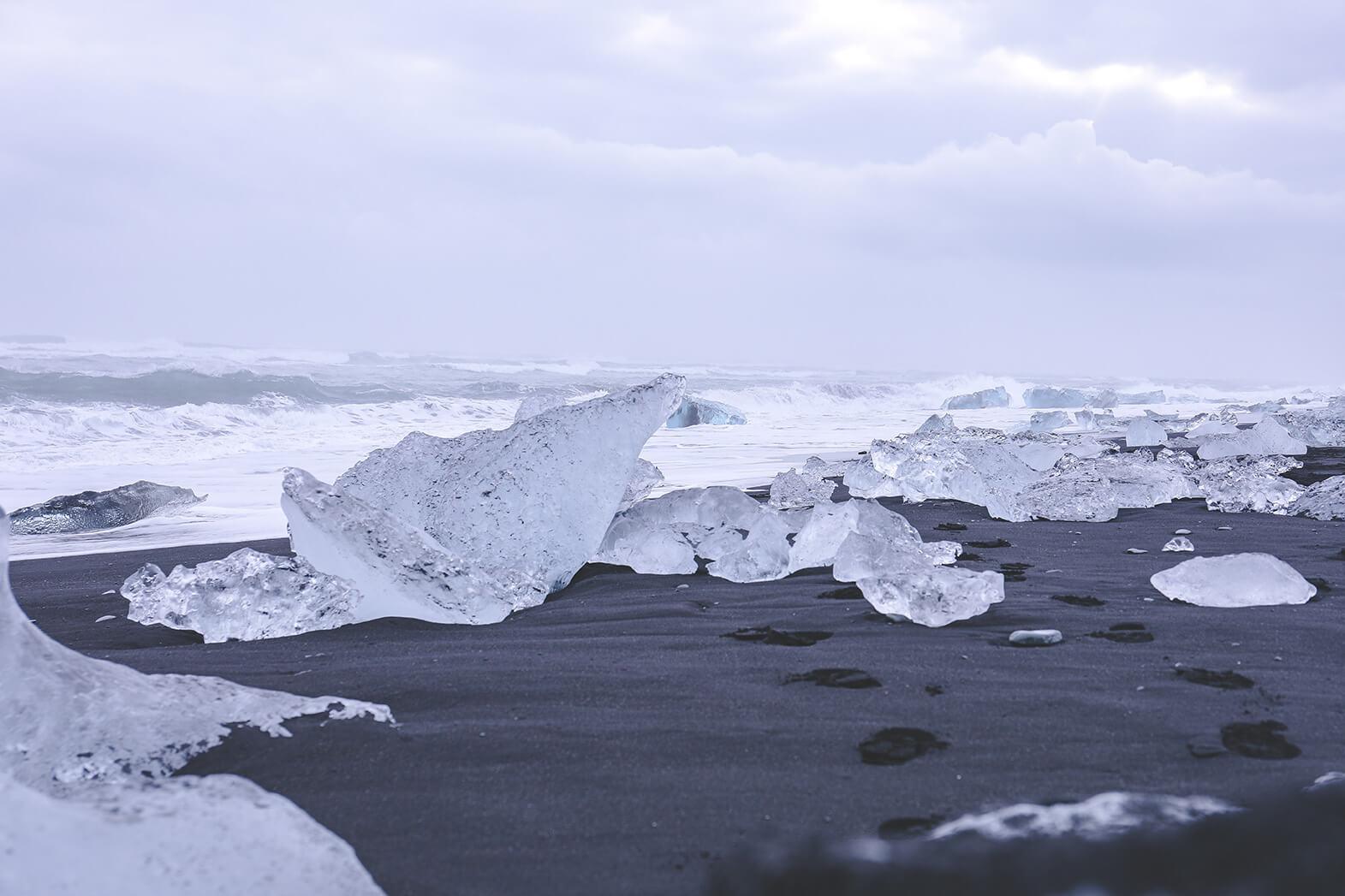 Sehenswürdigkeiten Island - Eisstücke an der Gletscherlagune Jökulsarlon.