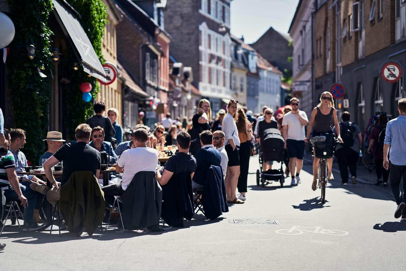 Straßen-Café im Latinerkvarteret in Aarhus, Kulturhaupstadt 2017. © RUNI Photopop, visitaarhus.com