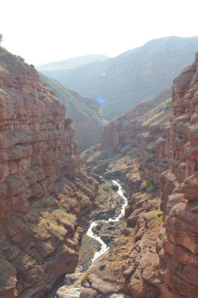 Hiking in the Alamut valley - canyoning with river. Photo: ©Malte Ostendorf