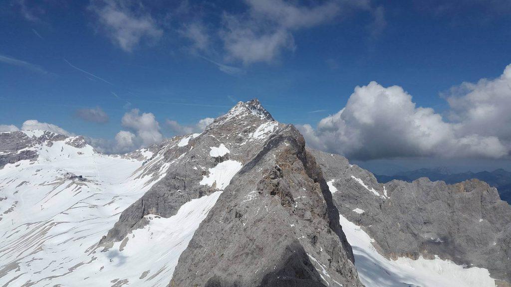 Bergwissen kompakt - Der Jubiläumsgrat zwischen der Zugspitze und dem Hochblassen.