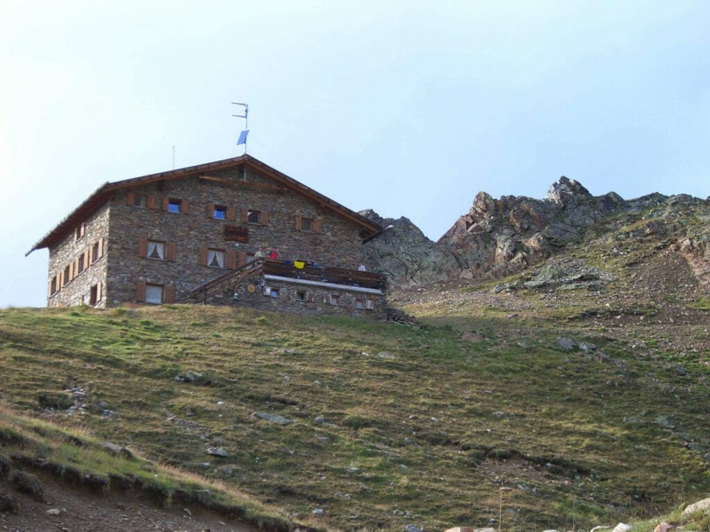 Wandern im Vinschgau - Oberettes-Hütte im Matscher Tal.