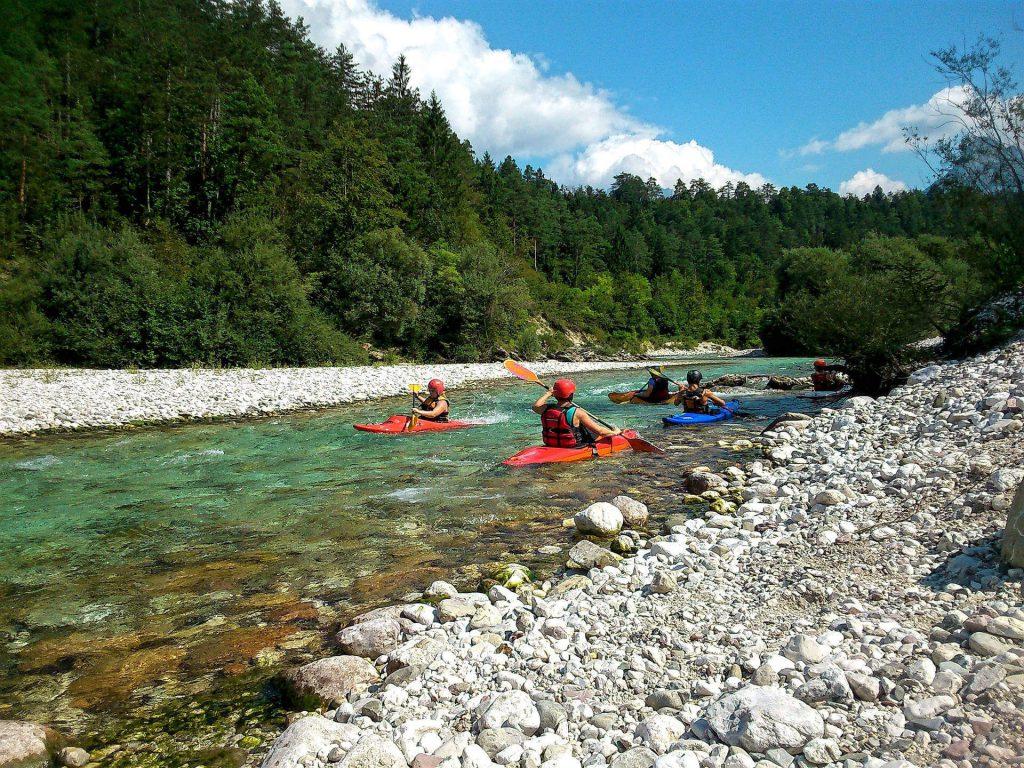 Das Soca-Tal in Slowenien ist ein Mekka für Wassersportler. Foto: Niksy, pixabay.