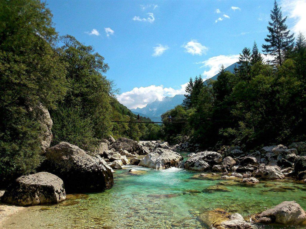 Das Soca-Tal in Slowenien ist bei Wanderern und Radlern gleichermaßen beliebt. Foto: Niksy, pixabay