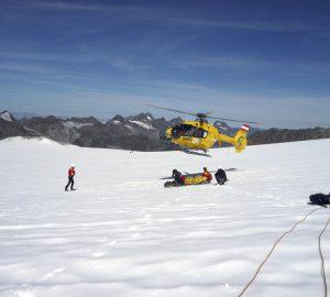 Tipp: So holst du in den Bergen im Notfall Hilfe.