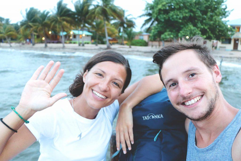 Ania und Daniel auf Hopkins in Belize.