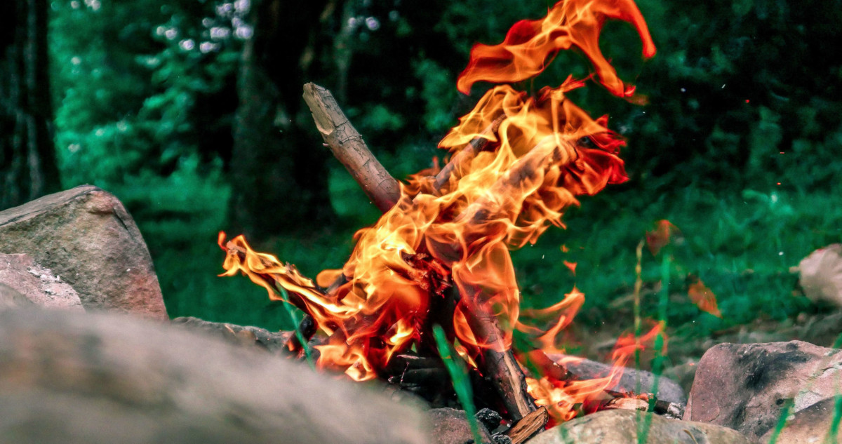 How to make fire in the wild