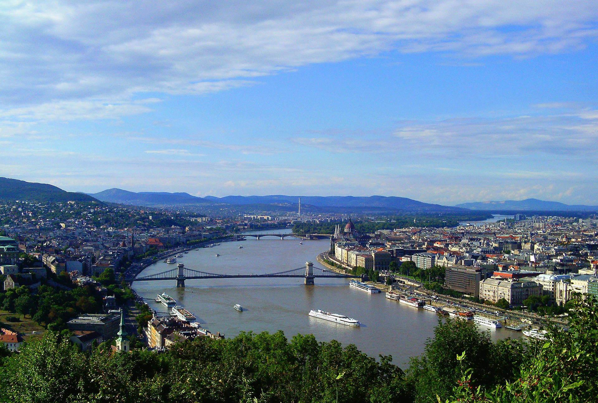 Städtereise Budapest - Panorama von Ungarns Hauptstadt.