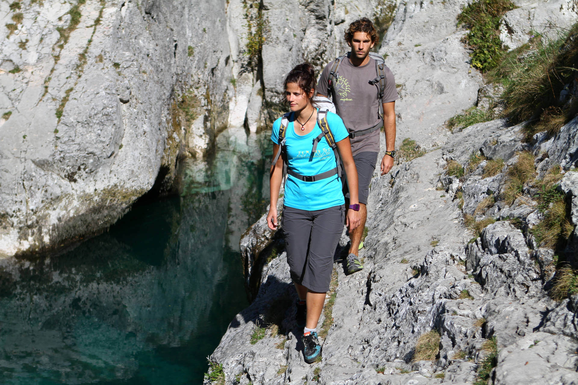 Interview Bergverlag Rohter - Two hikers in the mountains.