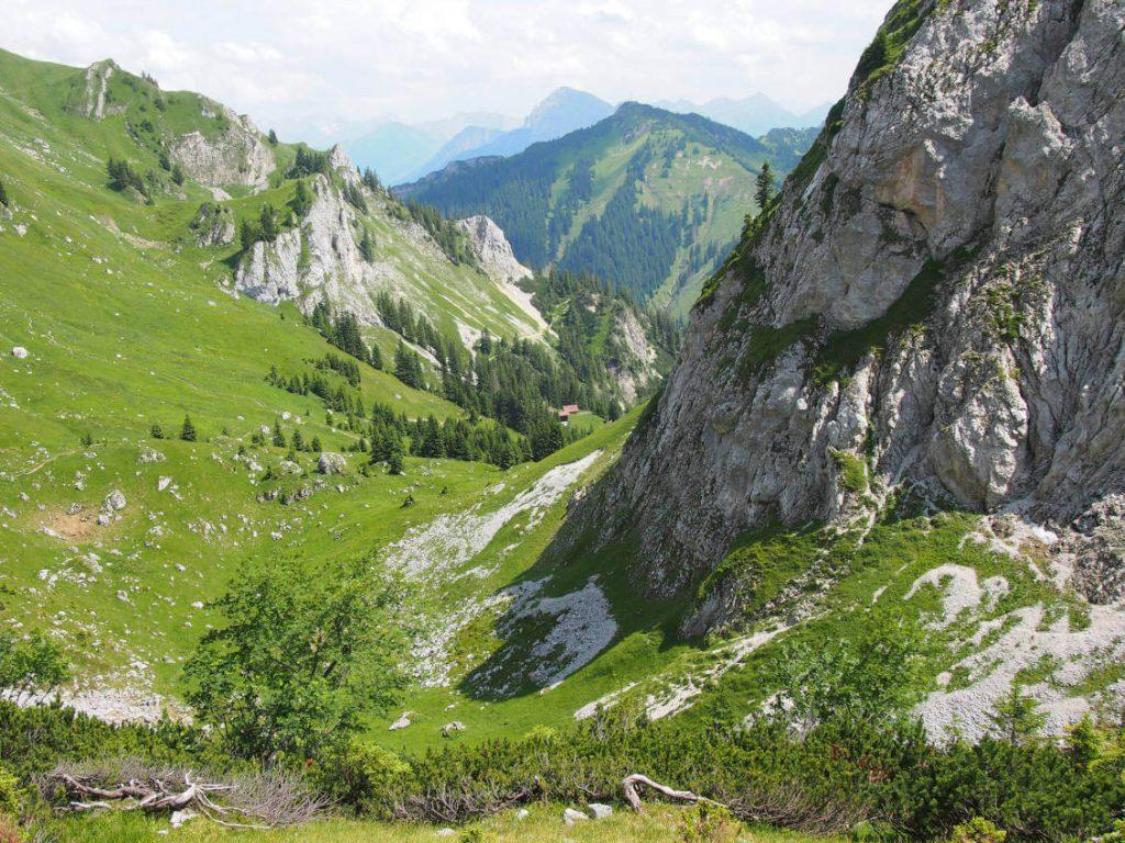 Wanderung auf die Rote Flüh - Blick zurück in Richtung Gimpel Kar.