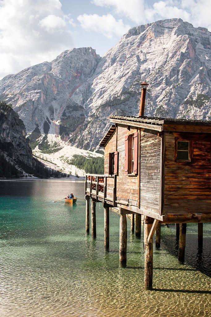 Kurzurlaub in den Dolomiten - Bootshaus am Pragser Wildsee