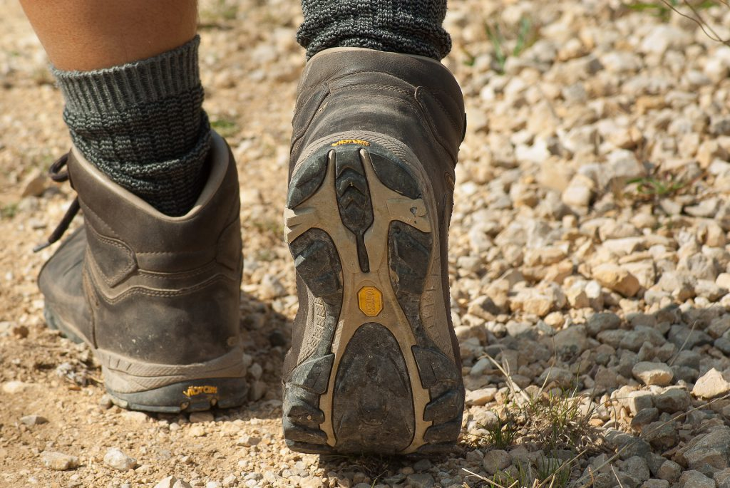 walking in hiking boots is way more comfortable if they are laced up correctly.