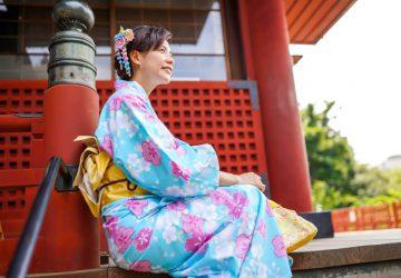 Verhaltensregeln Japan - Frau im Kimono. Foto: tristanlai1220, pixapay