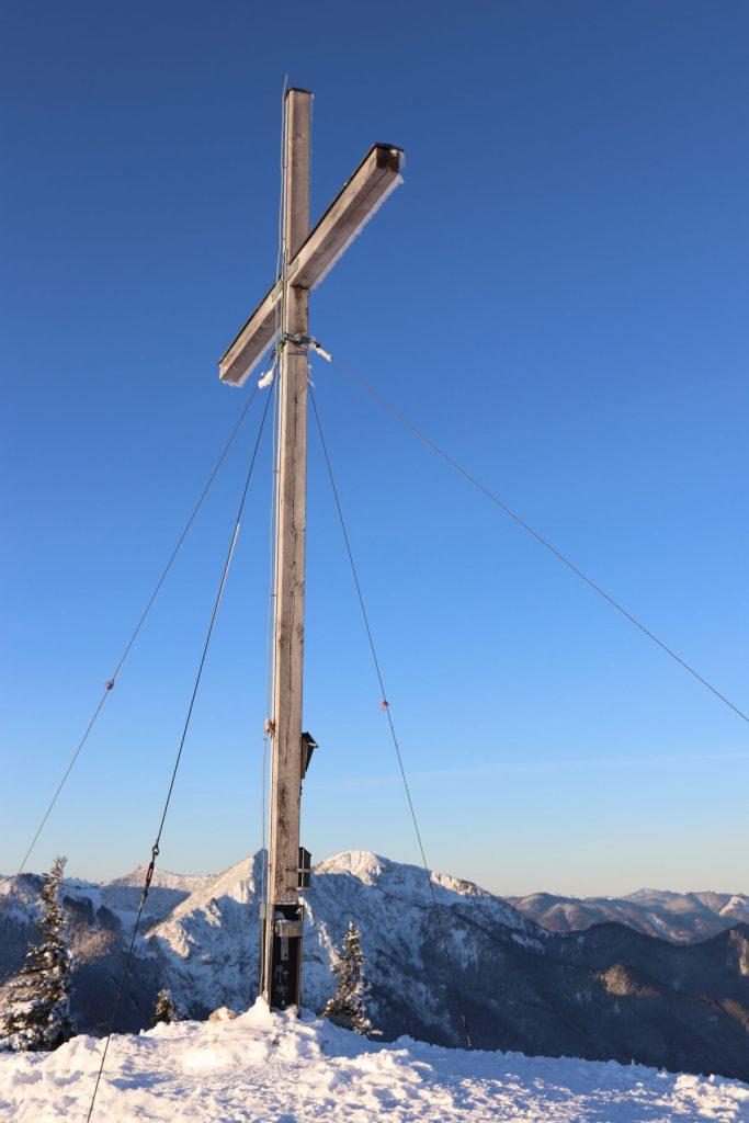 Gipfelkreuz am Jochberg.