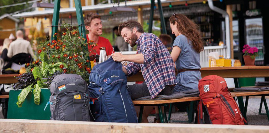 Auf der Reise sollten Backpacker auf ihre Wertsachen achten.